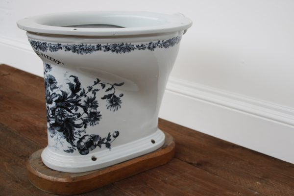 The Soudan Victorian antique blue and white toilet-0